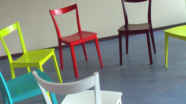 colorful-chairs-58475_640-aa